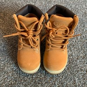 BNWOT Lugz toddler work boots